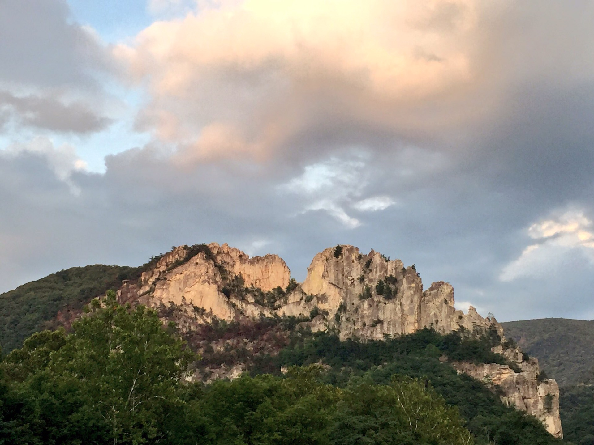 seneca rocks chatrooms Seneca rocks west virginia accommodations only hotels in seneca rocks are listed belowfind cheap and discounted hotel/motel rates in or nearby seneca rocks, wv for your upcoming personal or group travel.